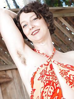 Hairy Mom Pics